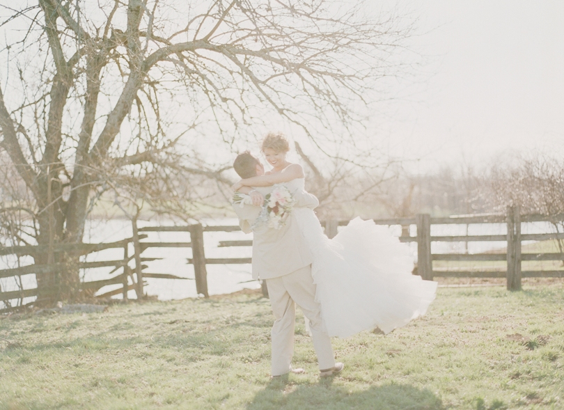 Kansas-City-Missouri-Wedding-Photographer-Lindsey-Pantaleo-Photography-Rustic-chic (7)