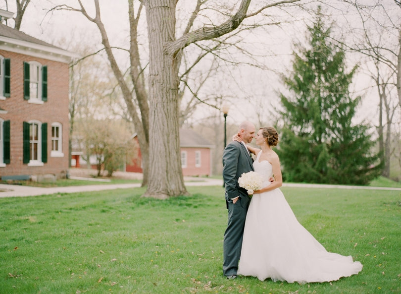 Columbia- Missouri-Wedding-Photographer-Lindsey-Pantaleo-Plaza-Event-Center (2)