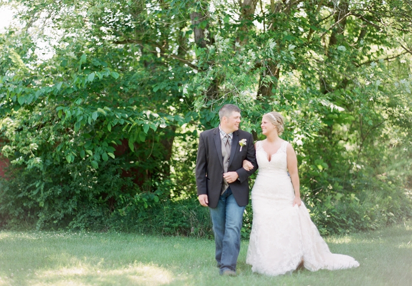 St. Louis-Wedding-Photography-Lindsey-Pantaleo-Photographer-Country-Chic (10)
