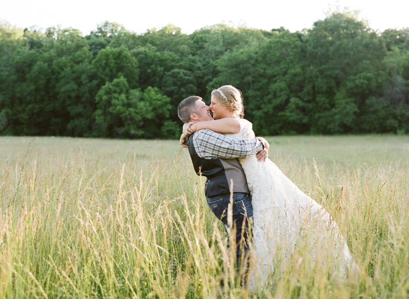St. Louis-Wedding-Photography-Lindsey-Pantaleo-Photographer-Country-Chic (4)
