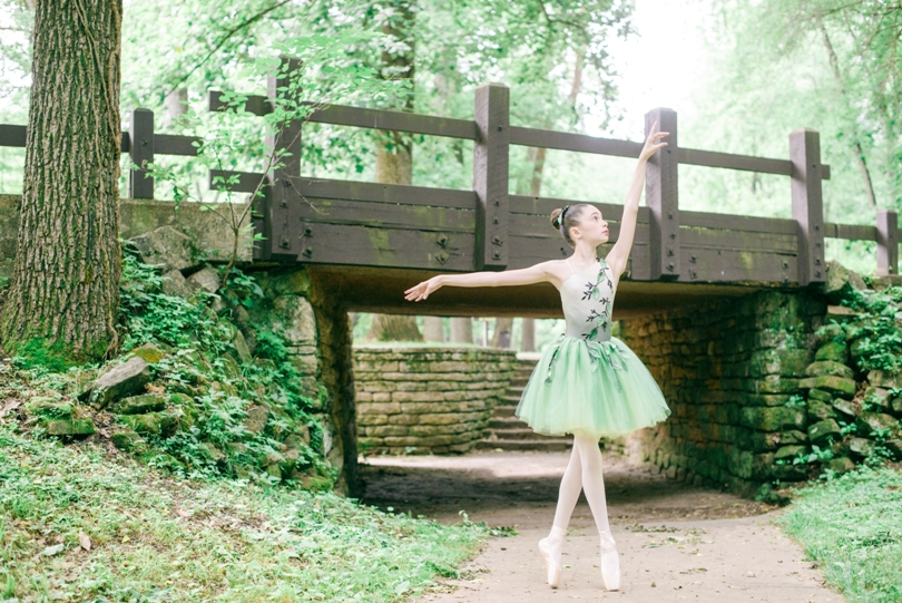 Tiny-Ballerina-Outdoor-Lindsey-Pantaleo-Jefferson-City-High-School-Senior-Photography (4)
