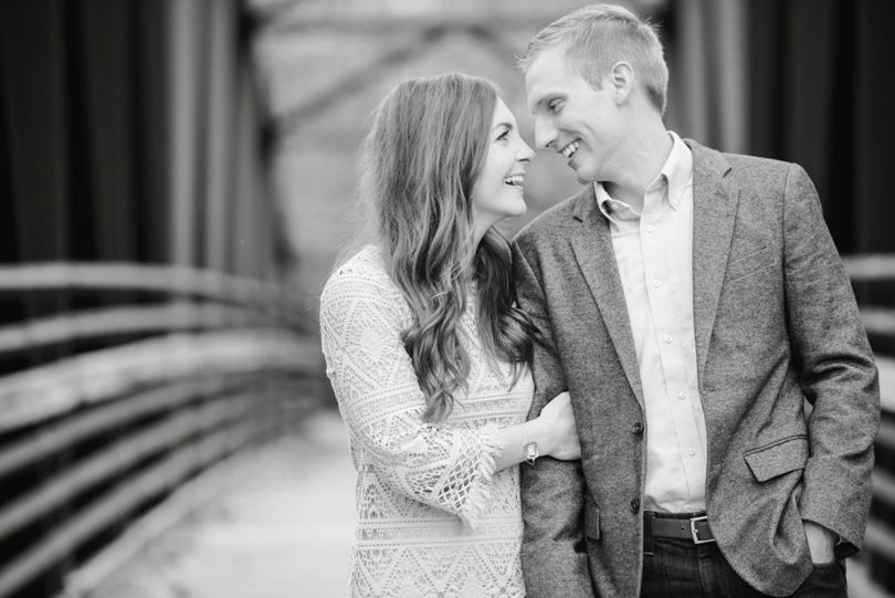 Capen-Park-Fall-Engagement-Session-Wedding-Photography-Columbia-Missouri-Lindsey-Pantaleo (16)