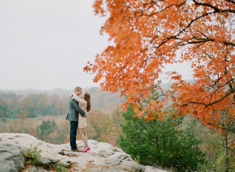 Capen-Park-Fall-Engagement-Session-Wedding-Photography-Columbia-Missouri-Lindsey-Pantaleo (5)