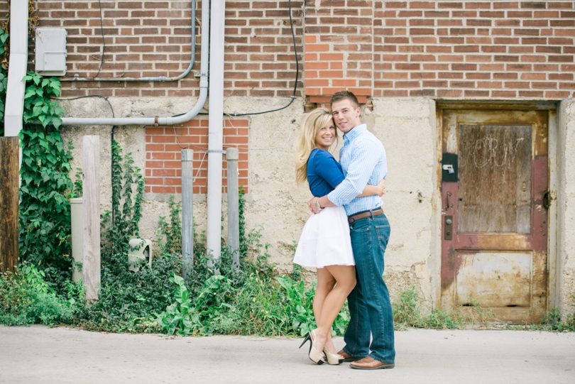 Engagement-Photography-Wedding-Photographer-Lindsey-Pantaleo-Jefferson-City-Missouri (1)