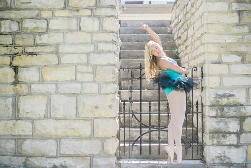 Jefferson-City-Missouri-Senior-photographer-Lindsey-Pantaleo-Helias (4)