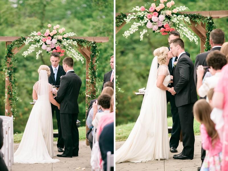 Wedding-Canterbury-Hill-Winery-Vineyard-Holts-Summit-Missouri-Lindsey-Pantaleo-Florissmo (12)