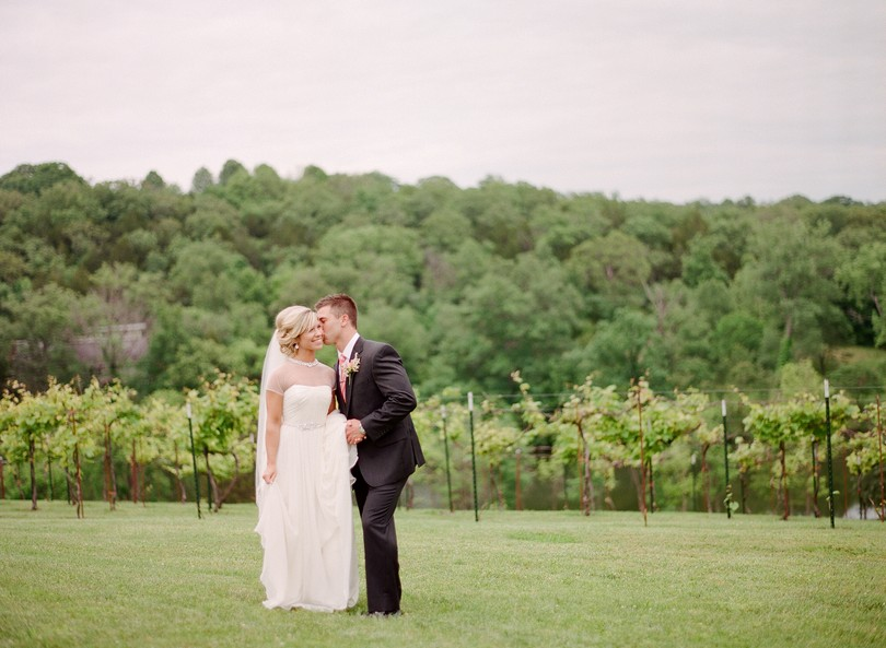 Wedding-Canterbury-Hill-Winery-Vineyard-Holts-Summit-Missouri-Lindsey-Pantaleo-Florissmo (24)