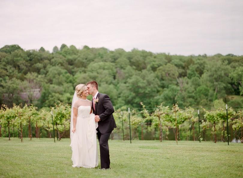 Wedding-Canterbury-Hill-Winery-Vineyard-Holts-Summit-Missouri-Lindsey-Pantaleo-Florissmo (24)