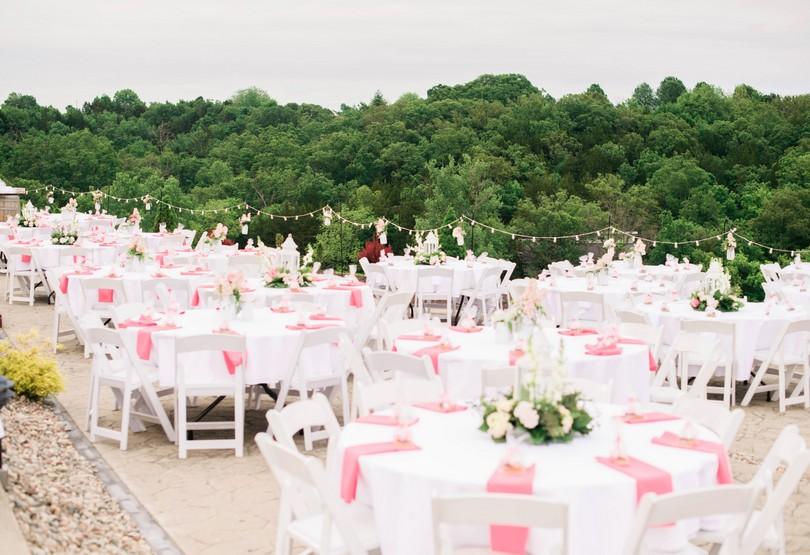 Wedding-Canterbury-Hill-Winery-Vineyard-Holts-Summit-Missouri-Lindsey-Pantaleo-Florissmo (27)
