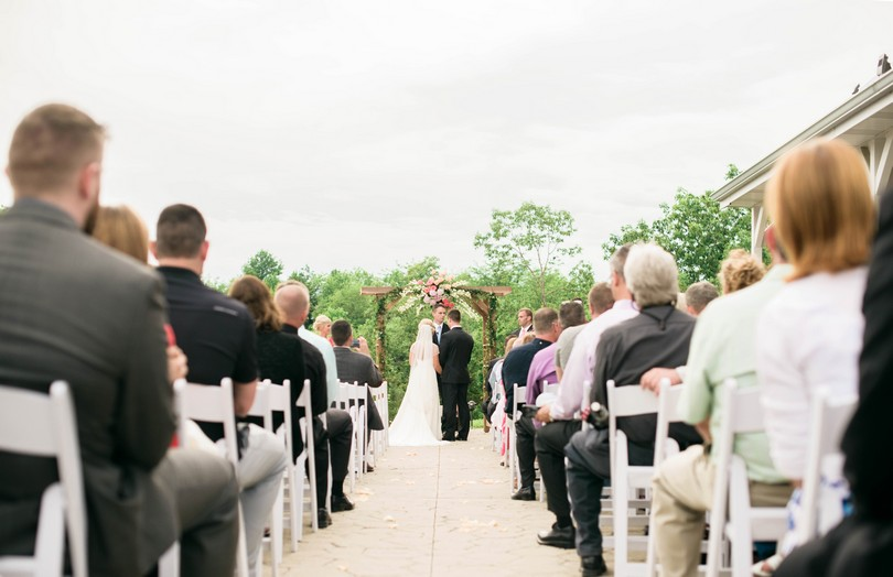 Wedding-Canterbury-Hill-Winery-Vineyard-Holts-Summit-Missouri-Lindsey-Pantaleo-Florissmo (29)
