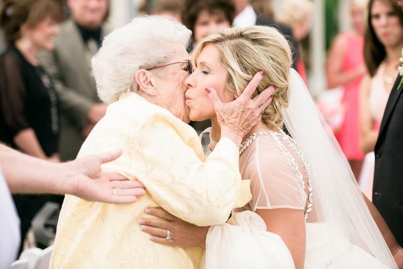 Wedding-Canterbury-Hill-Winery-Vineyard-Holts-Summit-Missouri-Lindsey-Pantaleo-Florissmo (31)