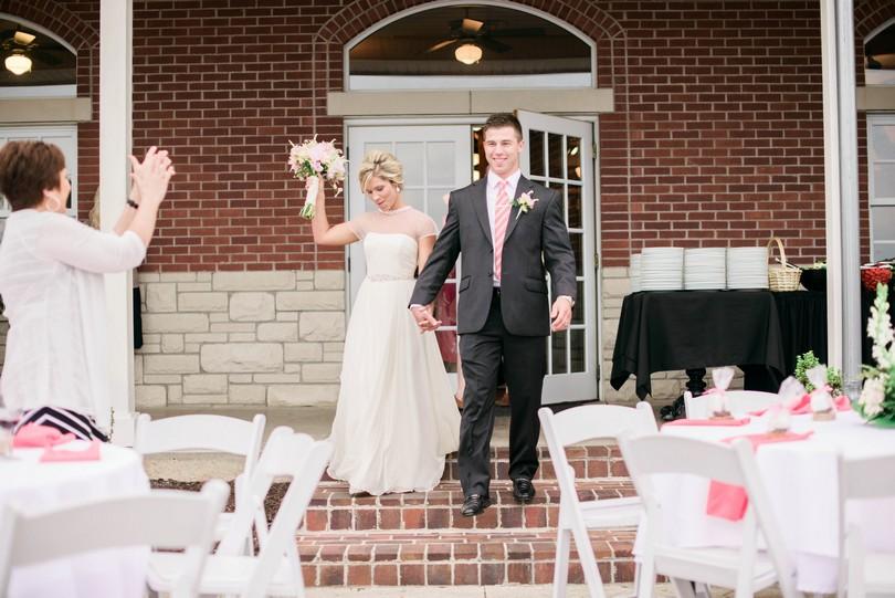 Wedding-Canterbury-Hill-Winery-Vineyard-Holts-Summit-Missouri-Lindsey-Pantaleo-Florissmo (37)