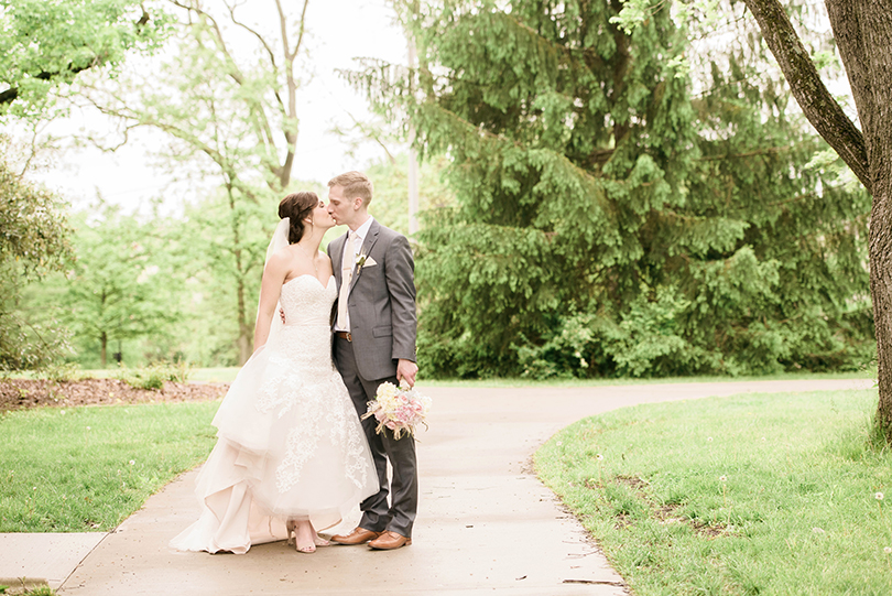 Wedding-Photography-Columbia-Missouri-Country-Club-of-Missouri-United-Methodist-Church-Lindsey-Pantaleo (35)