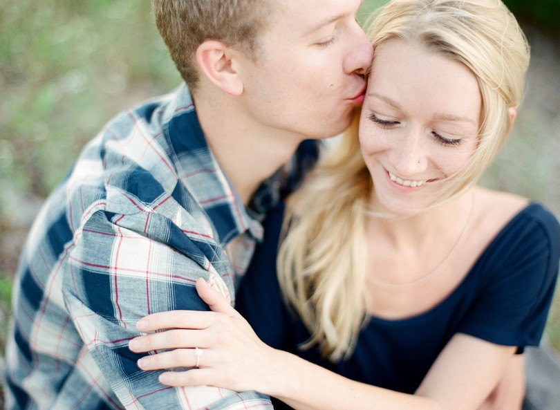 Lee-Summit-Kansas-City-Engagement-Photography-Lindsey-Pantaleo (6)