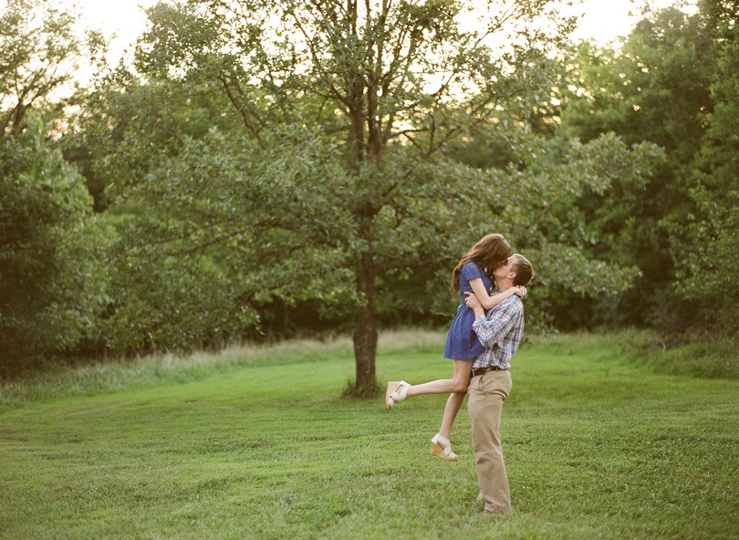 Engagment-Session-Jefferson-City-Missouri-Wedding-Photography-Binder-Lake-Lindsey-Pantaleo-Fireworks-Canoe (11)