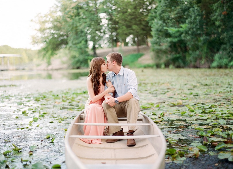 Engagment-Session-Jefferson-City-Missouri-Wedding-Photography-Binder-Lake-Lindsey-Pantaleo-Fireworks-Canoe (3)