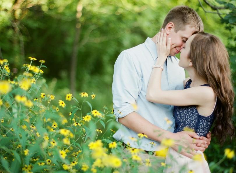 Engagment-Session-Jefferson-City-Missouri-Wedding-Photography-Binder-Lake-Lindsey-Pantaleo-Fireworks-Canoe (6)