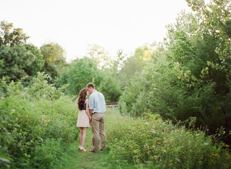 Engagment-Session-Jefferson-City-Missouri-Wedding-Photography-Binder-Lake-Lindsey-Pantaleo-Fireworks-Canoe (8)