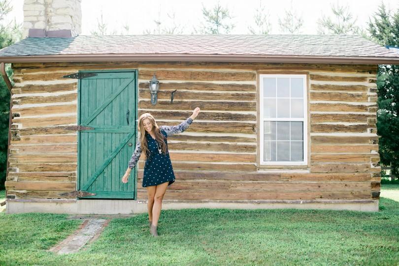 Maggie-Kehoe-Helias-Senior-Photography-Lindsey-Pantaleo-Capitol-Jefferson-City-Missouri (9)