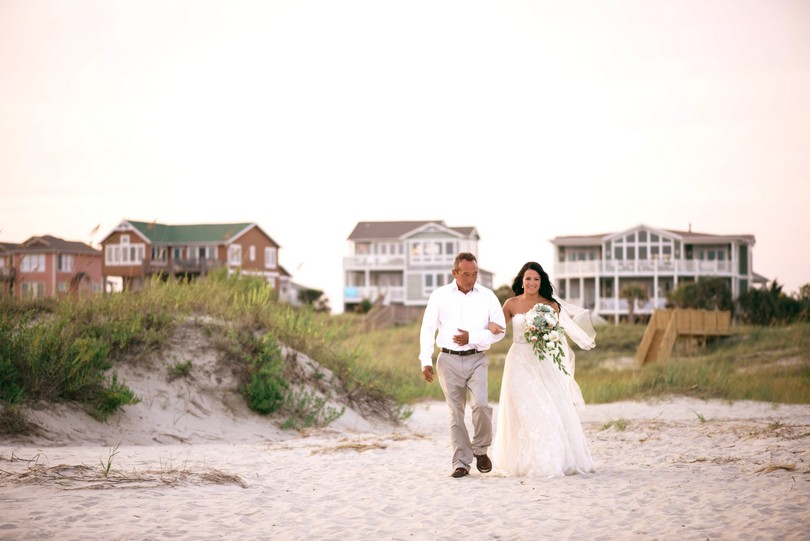 Holden-Beach-North-Carolina-Lindsey-Pantaleo-Wedding-Engagement-Beach (27)