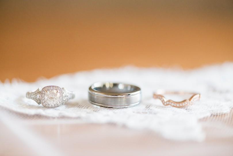 Lindsey-Pantaleo-Wedding-Photography-Stephens-College-Firestone-Baars-Chapel-Kimball-Ballroom-Columbia-Missouri (15)