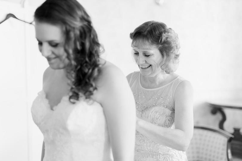 Lindsey-Pantaleo-Wedding-Photography-Stephens-College-Firestone-Baars-Chapel-Kimball-Ballroom-Columbia-Missouri (25)