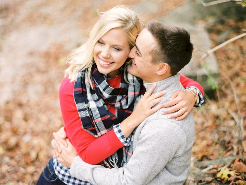 Engagement-Pictures-Columbia-Missouri-Capen-Park-Lindsey-Pantaleo (7)