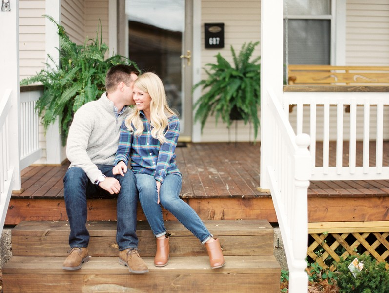 Engagement-Pictures-Fulton-Missouri-Vineyard-Lindsey-Pantaleo (1)