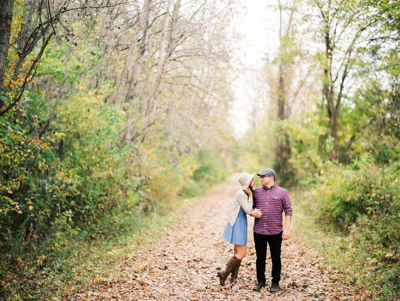 Jefferson-City-Missouri-Engagement-Session-Fall-Puppy-Love (3)