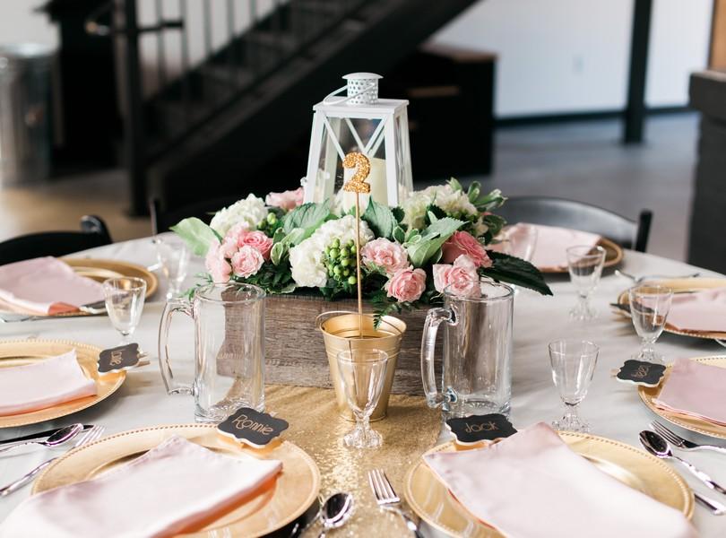 Jefferson-City-Missouri-Wedding-Photography-Lindsey-Pantaleo-Millbottom-Capitol-City-Christian-Church-Morgan-Devin-Kempker (16)
