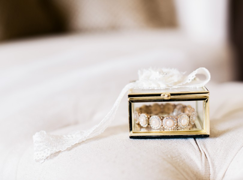 Jefferson-City-Missouri-Wedding-Photography-Lindsey-Pantaleo-Millbottom-Capitol-City-Christian-Church-Morgan-Devin-Kempker (19)