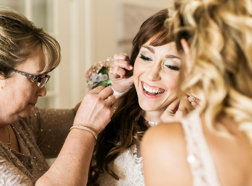Jefferson-City-Missouri-Wedding-Photography-Lindsey-Pantaleo-Millbottom-Capitol-City-Christian-Church-Morgan-Devin-Kempker (22)