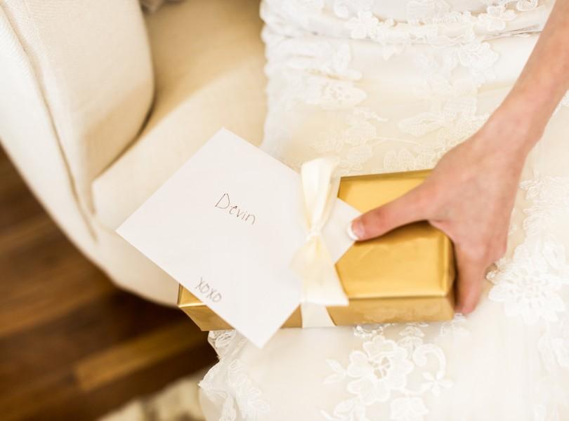 Jefferson-City-Missouri-Wedding-Photography-Lindsey-Pantaleo-Millbottom-Capitol-City-Christian-Church-Morgan-Devin-Kempker (23)