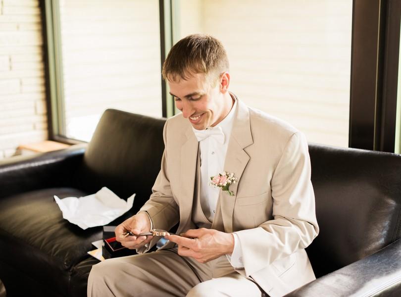 Jefferson-City-Missouri-Wedding-Photography-Lindsey-Pantaleo-Millbottom-Capitol-City-Christian-Church-Morgan-Devin-Kempker (26)
