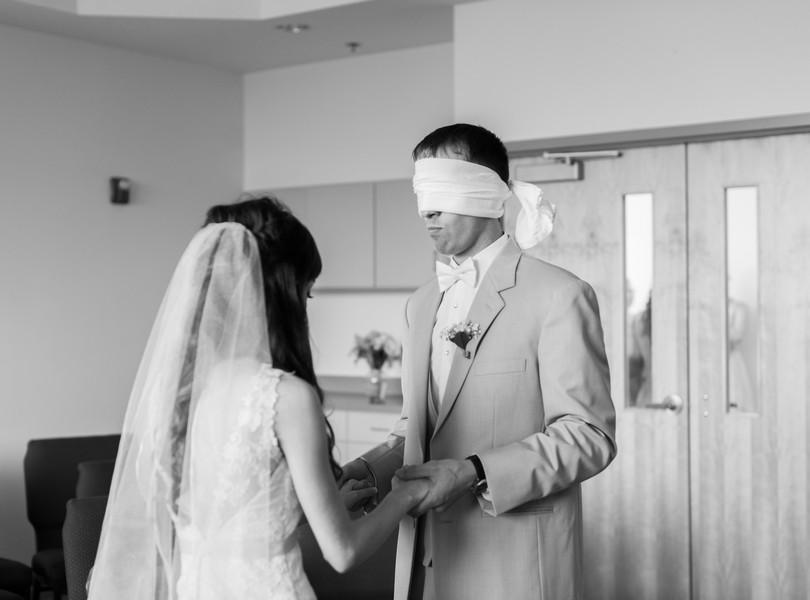 Jefferson-City-Missouri-Wedding-Photography-Lindsey-Pantaleo-Millbottom-Capitol-City-Christian-Church-Morgan-Devin-Kempker (27)