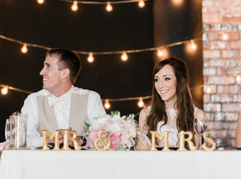 Jefferson-City-Missouri-Wedding-Photography-Lindsey-Pantaleo-Millbottom-Capitol-City-Christian-Church-Morgan-Devin-Kempker (37)