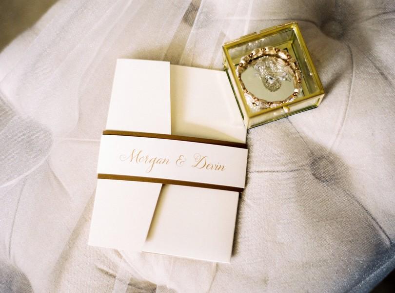 Jefferson-City-Missouri-Wedding-Photography-Lindsey-Pantaleo-Millbottom-Capitol-City-Christian-Church-Morgan-Devin-Kempker (4)