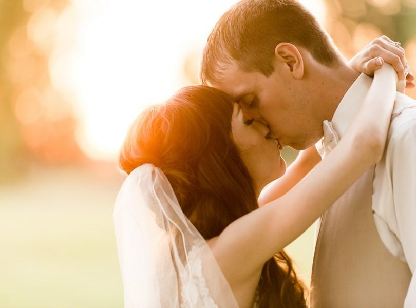 Jefferson-City-Missouri-Wedding-Photography-Lindsey-Pantaleo-Millbottom-Capitol-City-Christian-Church-Morgan-Devin-Kempker (41)
