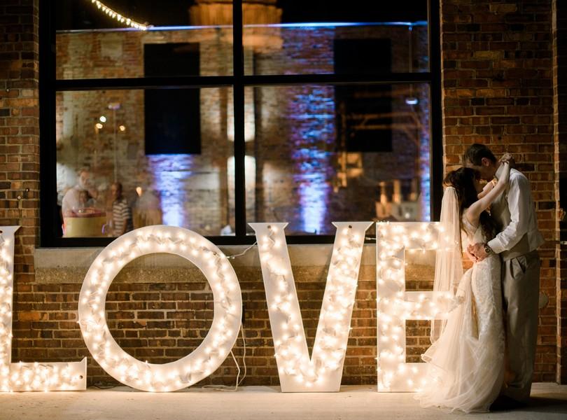 Jefferson-City-Missouri-Wedding-Photography-Lindsey-Pantaleo-Millbottom-Capitol-City-Christian-Church-Morgan-Devin-Kempker (46)