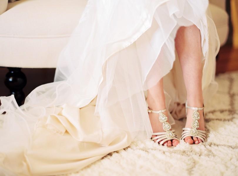 Jefferson-City-Missouri-Wedding-Photography-Lindsey-Pantaleo-Millbottom-Capitol-City-Christian-Church-Morgan-Devin-Kempker (7)