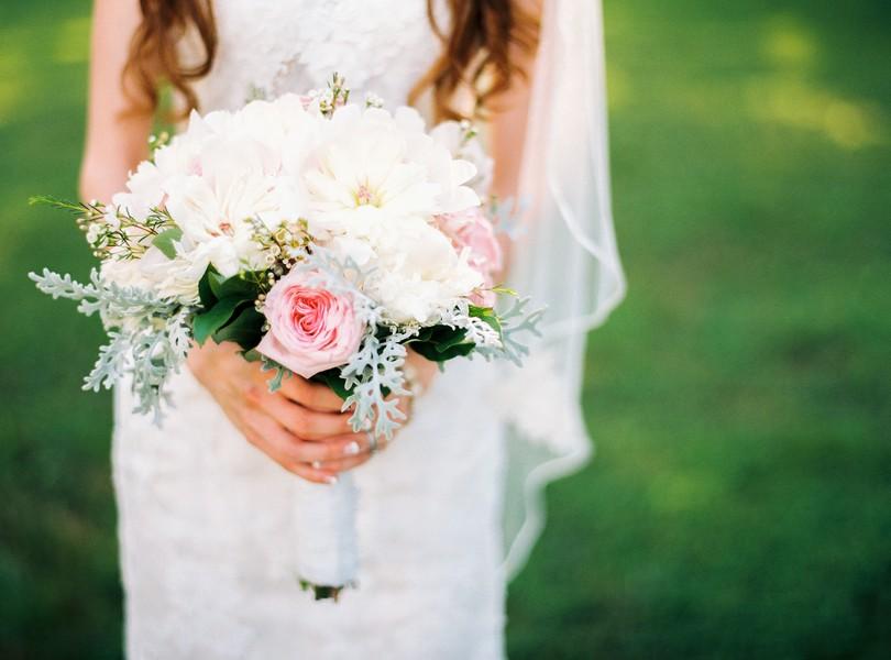 Jefferson-City-Missouri-Wedding-Photography-Lindsey-Pantaleo-Millbottom-Capitol-City-Christian-Church-Morgan-Devin-Kempker (9)