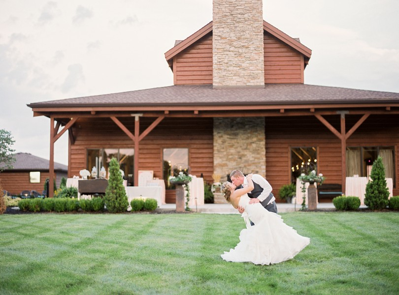 Lindsey-Pantaleo-Wedding-Buffalo-Lodge-Kingsville-Missouri- (3)