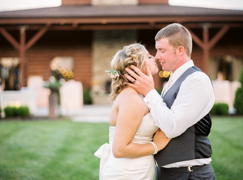 Lindsey-Pantaleo-Wedding-Buffalo-Lodge-Kingsville-Missouri- (4)