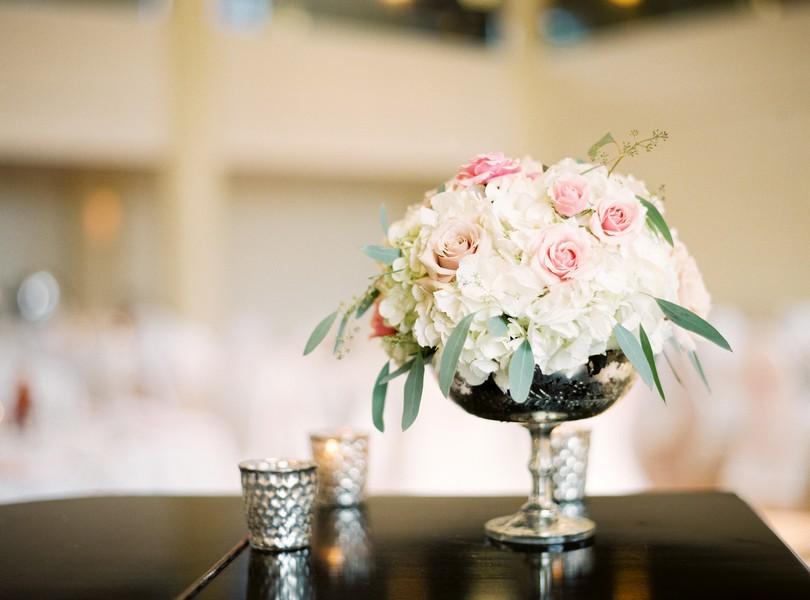 Stephens-College-Wedding-Our-Lady-Lourdes-Catholic-Church-Kimball-Ballroom-Lindsey-Pantaleo-Columbia-Missouri (7)