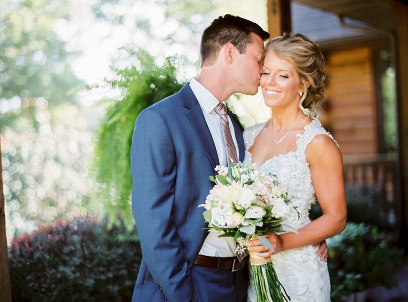 lindsey-pantaleo-wedding-photography-fulton-missouri-outdoor-wedding-5