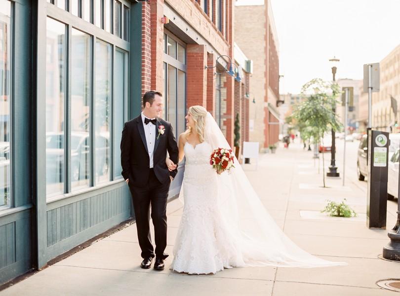 wedding-photography-minneaoplis-minnesota-the-muse-event-center-lindsey-pantaleo-photography-4
