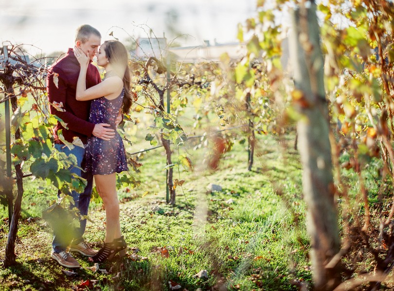 engagement-photography-lindsey-pantaleo-meramec-vineyards-st-james-missouri-13