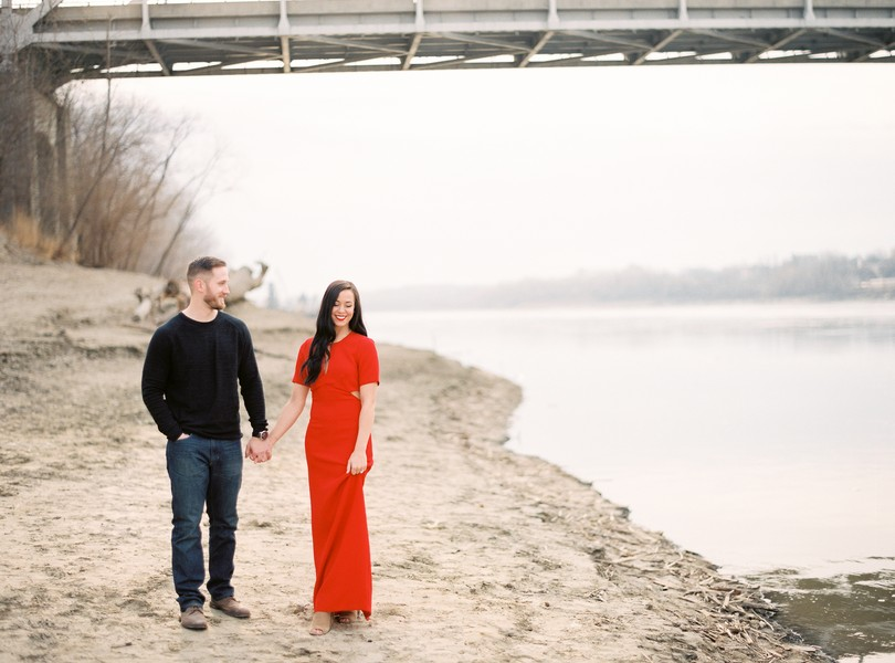 Wedding-Photographer-Lindsey-Pantaleo-Engagement-Shoot-Jefferson-City-Missouri-River-Access (10)