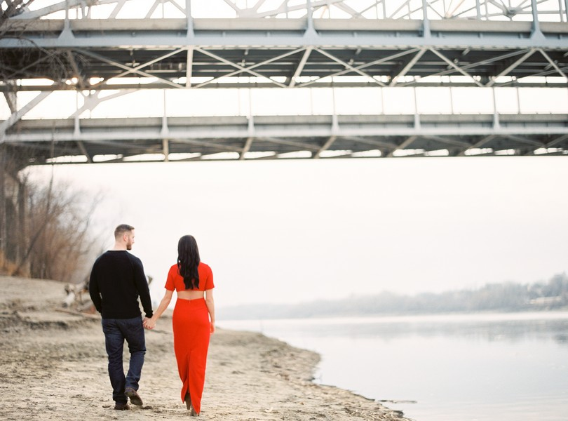 Wedding-Photographer-Lindsey-Pantaleo-Engagement-Shoot-Jefferson-City-Missouri-River-Access (11)