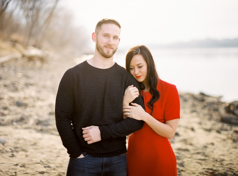 Wedding-Photographer-Lindsey-Pantaleo-Engagement-Shoot-Jefferson-City-Missouri-River-Access (3)